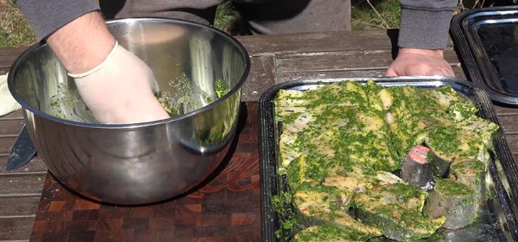 Маринование стейков осетра