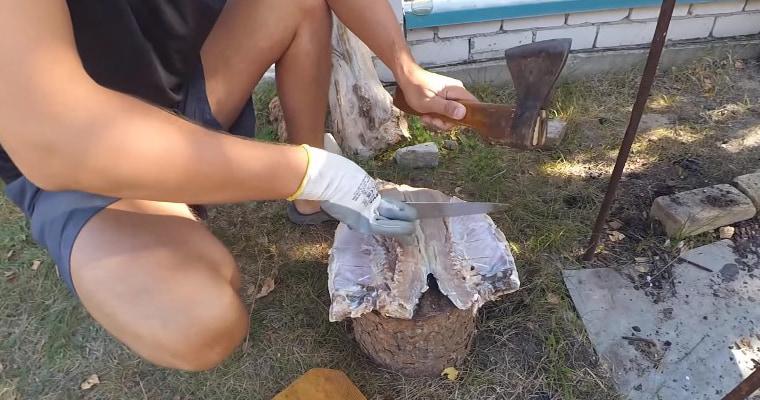 Надрезы на пласте рыбы