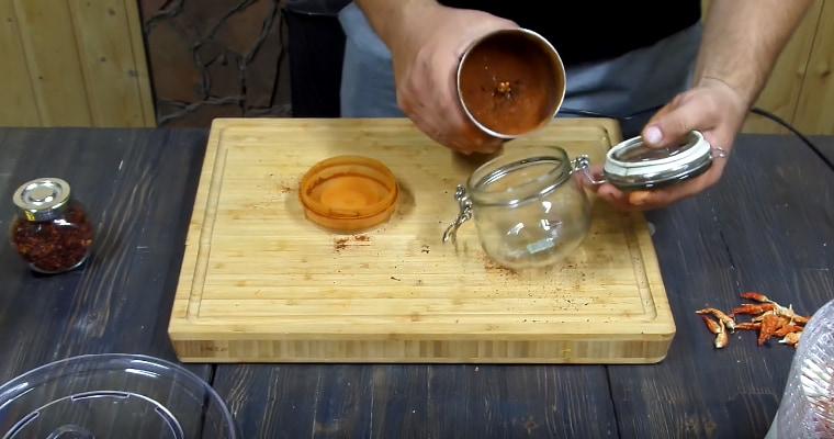 Измельчение сушеного перца