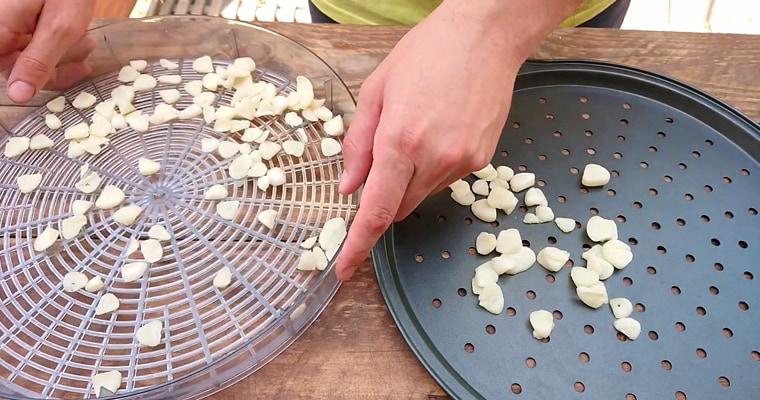 Подготовка чеснока к копчению