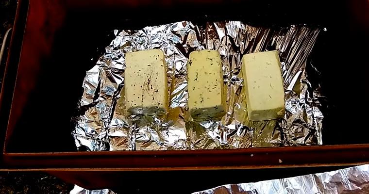 Сыр тофу в коптильне