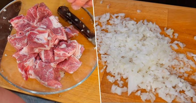 Добавление лука к мясу