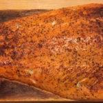 Готовый копченый лосось по-фински