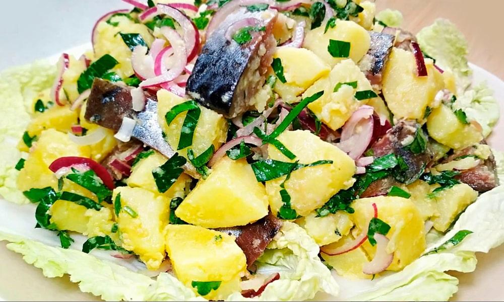Картофельный салат с горчичным соусом