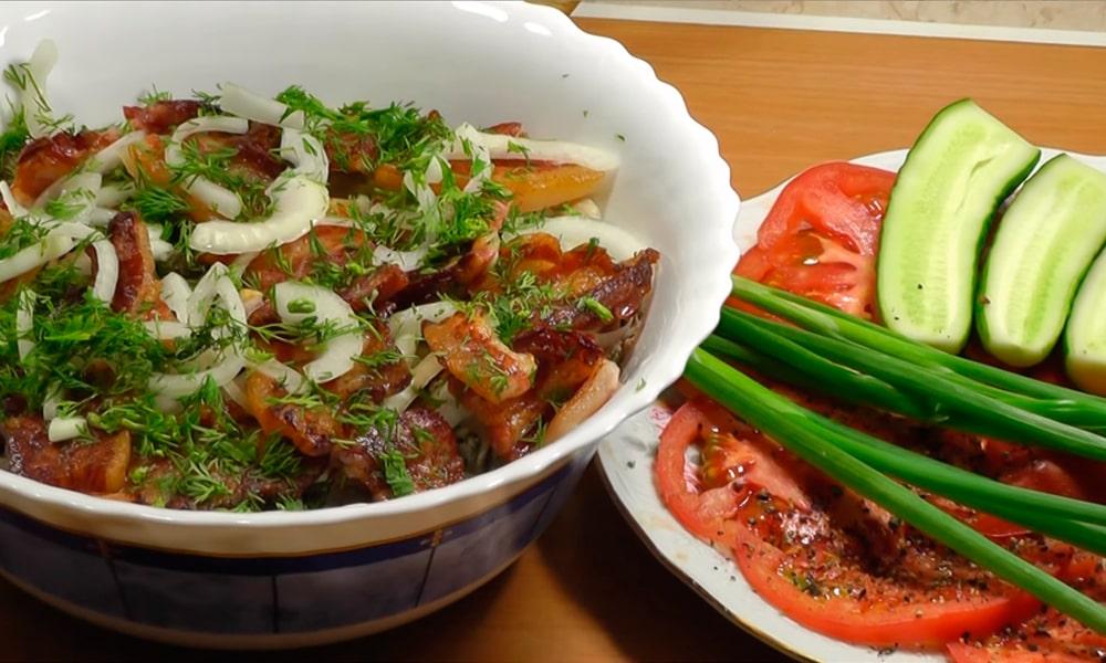 Питательный теплый салат