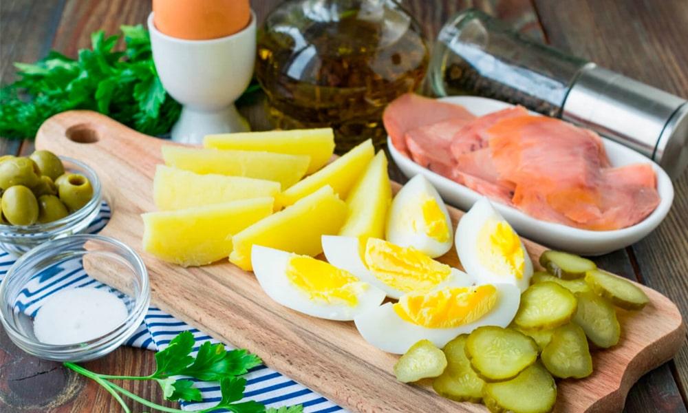 Ингредиенты для салата «Тройной аромат»